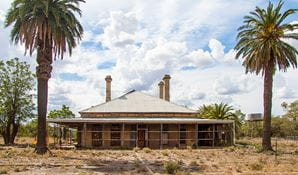 Restoration of buildings in Toorale National Park. Photo: Gregory Anderson