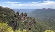 The view of the Three Sisters at Echo Point in Blue Mountains National Park. Photo © FJ Tours
