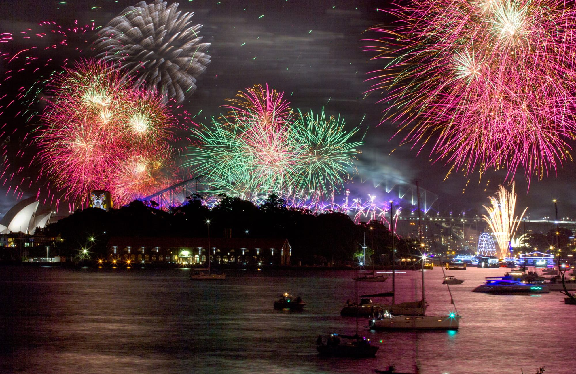 new years eve fireworks sydney harbour national park photo edwina pickles