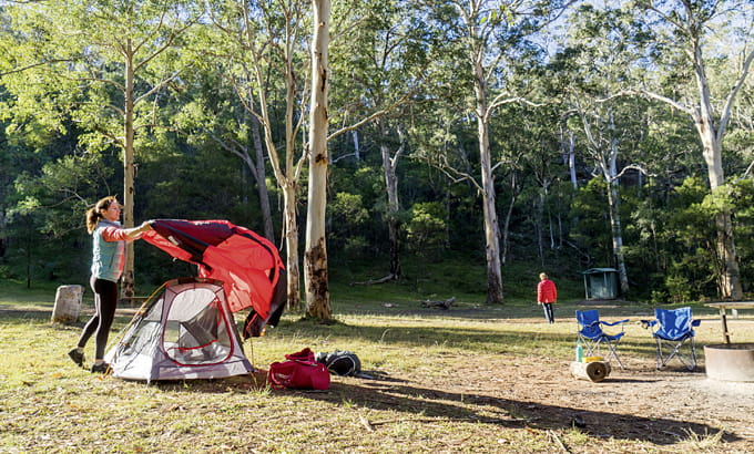 People setting up at Euroka campground, Blue Mountains National Park. Photo credit: Simone Cottrell © DPIE