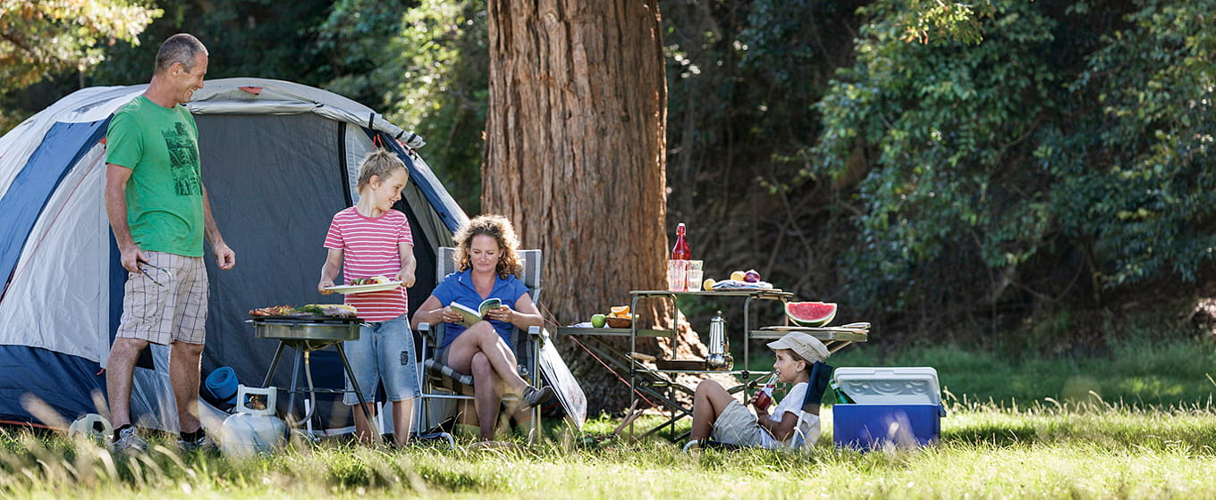 Family camping at The Basin campground, Ku-ring-gai Chase National Park. Photo: David Finnegan &copy: DPIE