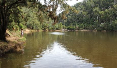 Fishing in the Nepean River. Photo: John Yurasek