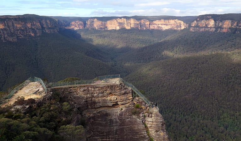 Pulpit Rock lookout, Blackheath, Blue Mountains National Park. Photo: E Sheargold/OEH