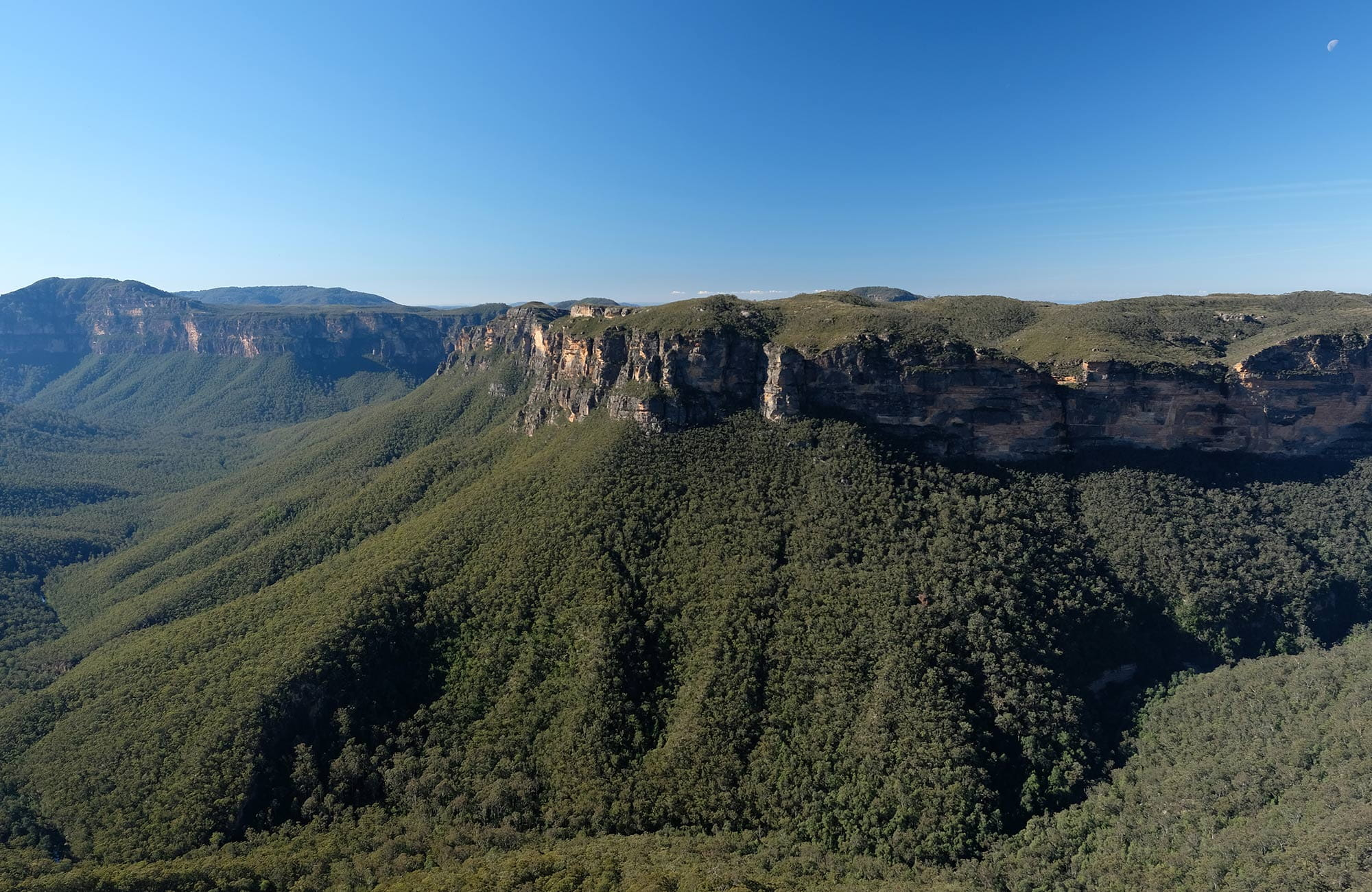 Views from Evans lookout, Blackheath, Blue Mountains National Park. Photo: E Sheargold/OEH.