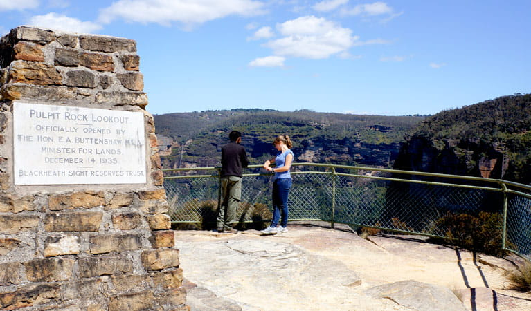 Pulpit Rock lookout, Blue Mountains National Park. Photo: Steve Alton/OEH