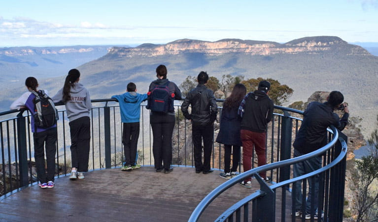 Lady Game lookout, Three Sisters walk, Blue Mountains National Park. Photo: R Garthwin/OEH.