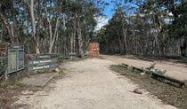 Park entrance signage along Mount Werong Road, Blue Mountains National Park. Photo: Sarah Morton/OEH