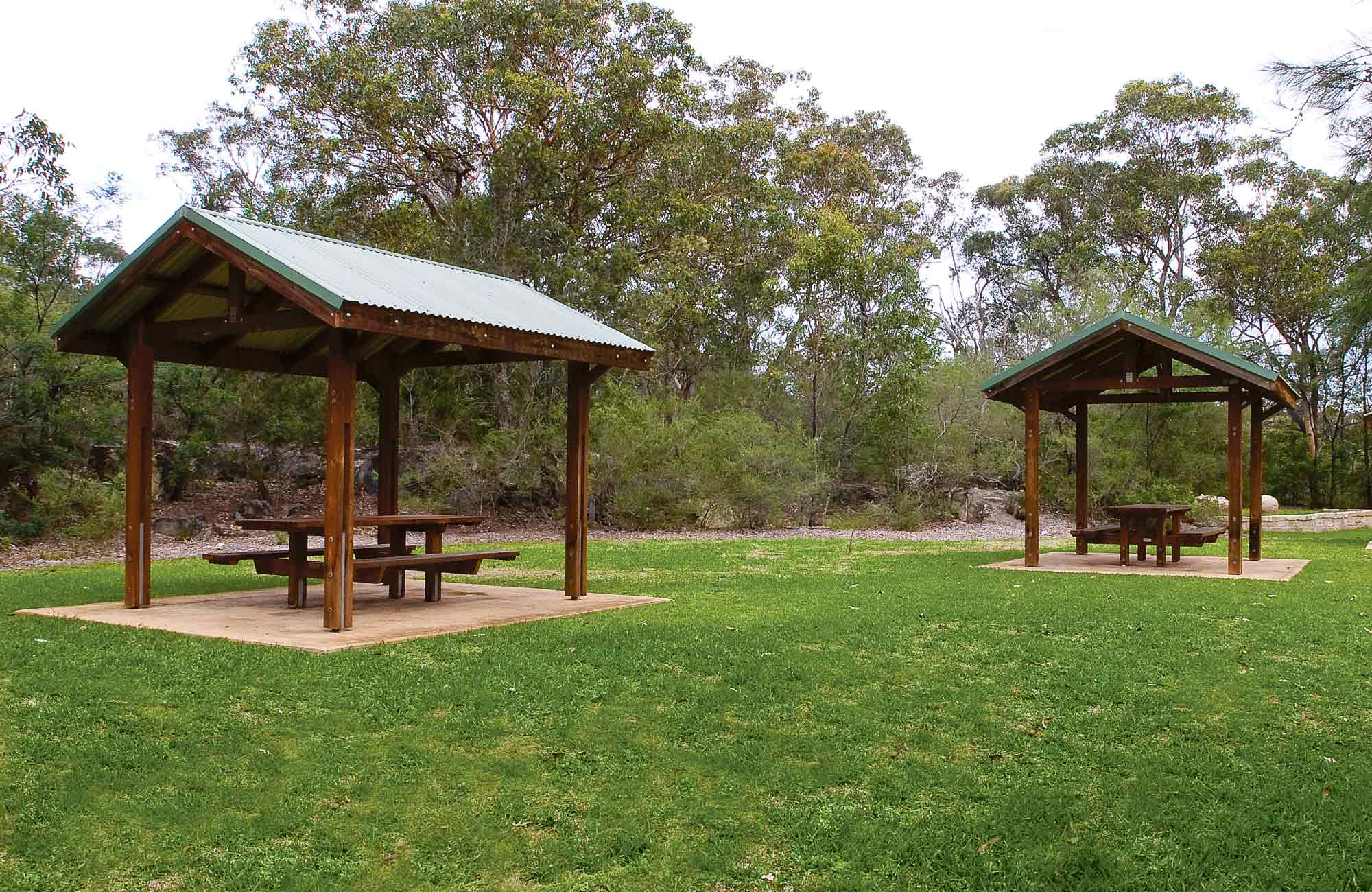 Bomaderry Creek picnic tables, Bomaderry Creek Regional Park