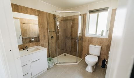 Robinsons Cabin, Boonoo Boonoo National Park. Photo: Ann Richards OEH