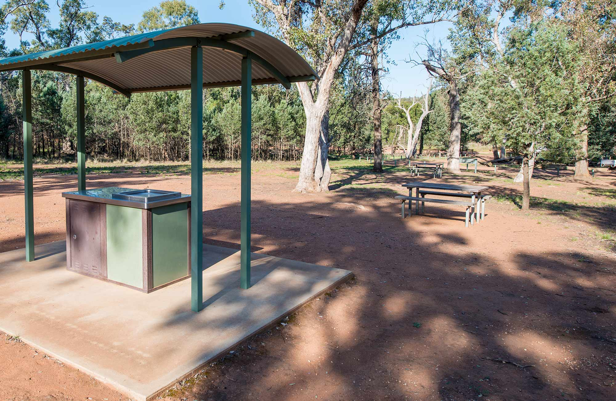Spring Hill picnic area, Cocoparra National Park. Photo: John Spencer