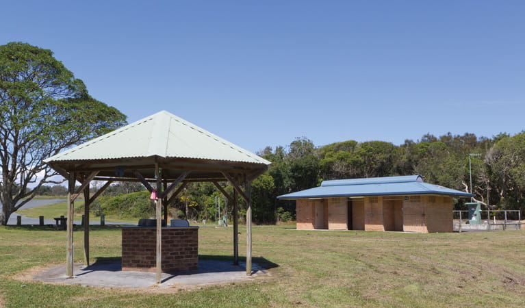 Mullaway Beach Picnic Area facilities, Coffs Coast Regional Park. Photo: Rob Cleary