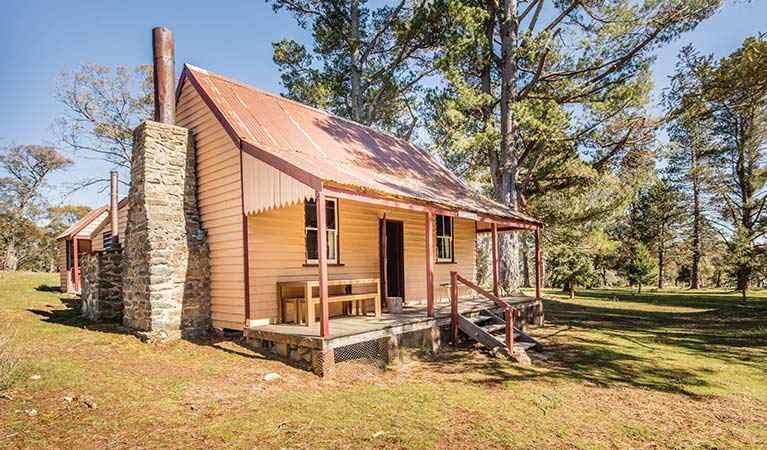 Daffodil Cottage exterior, Kosciuszko National Park. Photo: Murray Vanderveer/DPIE