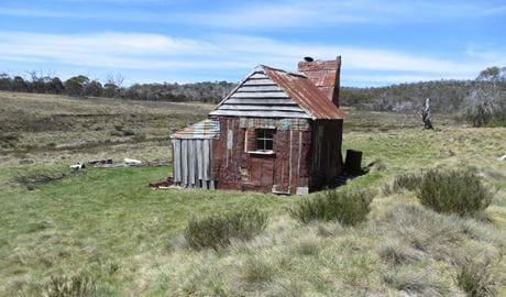 Four Mile Hut, Kosciuszko National Park. Photo: Elouise Peach/OEH.