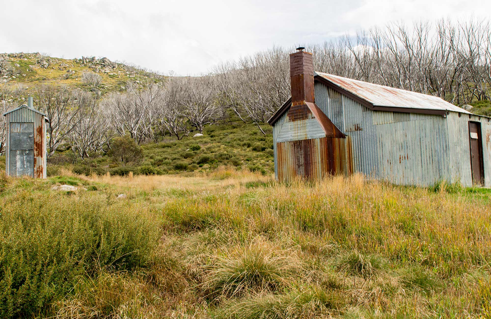Exterior of White's River Hut along Schlink Hut walking track, Kosciuszko National Park. Photo: John Spencer/OEH