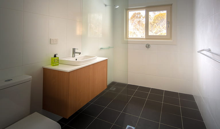Bathroom in Numbananga Lodge, Kosciuszko National Park. Photo: Murray Vanderveer/OEH