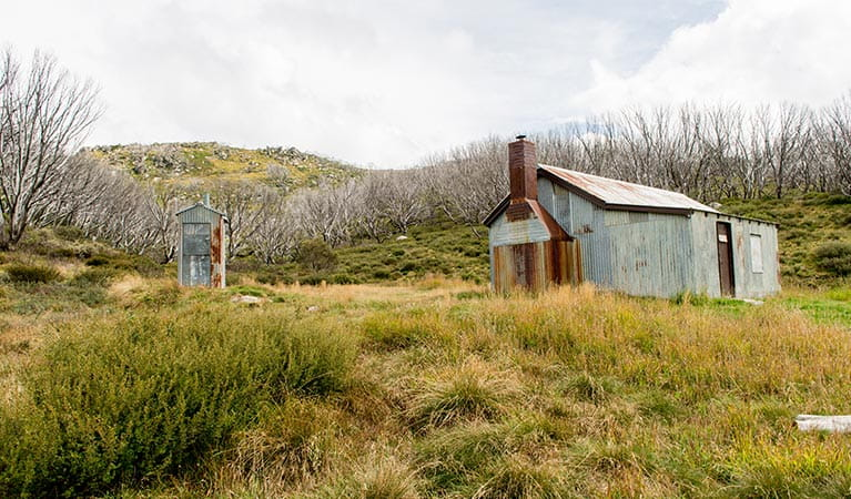 Exterior of White's River Hut on Schlink Hut walking track, Kosciuszko National Park. Photo: John Spencer/OEH.