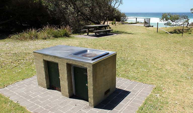 Barbecue and picnic facilities at Gillards campground, Mimosa Rocks National Park. Photo: John Yurasek/DPIE