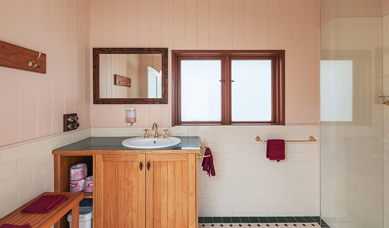 Bathroom in Montague Island Assistant Lighthouse Keepers Cottage. Photo: Daniel Tran/OEH