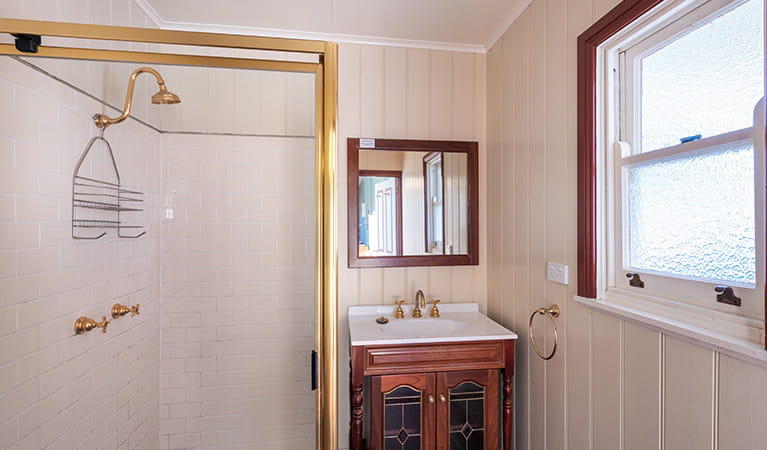 Bathroom in Montague Island Head Lighthouse Keepers Cottage. Photo: Daniel Tran/OEH