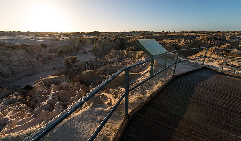 Red Top lookout and boardwalk, Mungo National Park. Photo: John Spencer/NSW Government