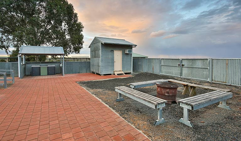 Picnic seats and covered barbecue area at Mungo Shearers' Quarters. Photo: Vision House Photography/OEH