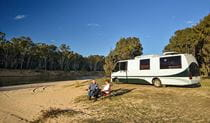 Quicks Beach campground, Murray Valley National Park. Photo: Gavin Hansford/DPIE