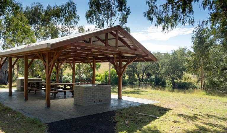 Picnic area at Blue Hole, Oxley Wild Rivers National Park. Photo: OEH