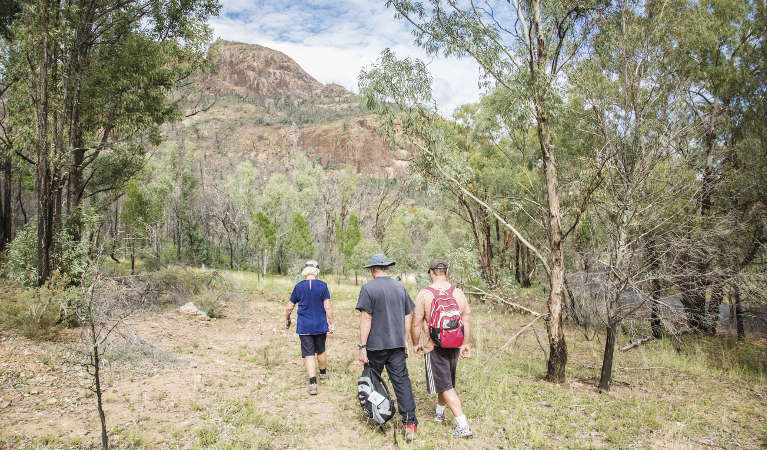 A group of walkers set off on a bushwalk from Canyon picnic area in Warrumbungle National Park. Photo: Simone Cottrell/RBG