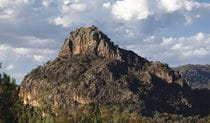 Mountain views along Wambelong Nature track, Warrumbungle National Park. Photo: Rob Cleary/Seen Australia
