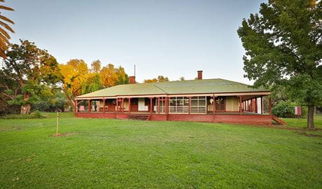The exterior of Willandra Homestead, Willandra National Park. Photo: Vision House Photography/DPIE