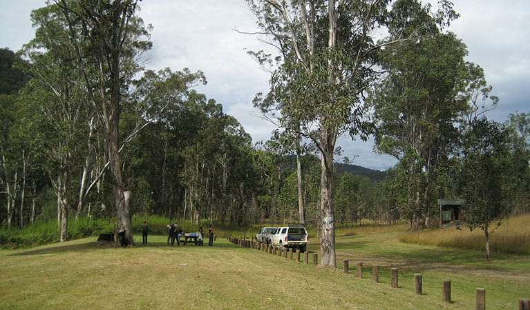 People having a picnic in Doone Gorge camping area, Chaelundi National Park. Photo: A Harber