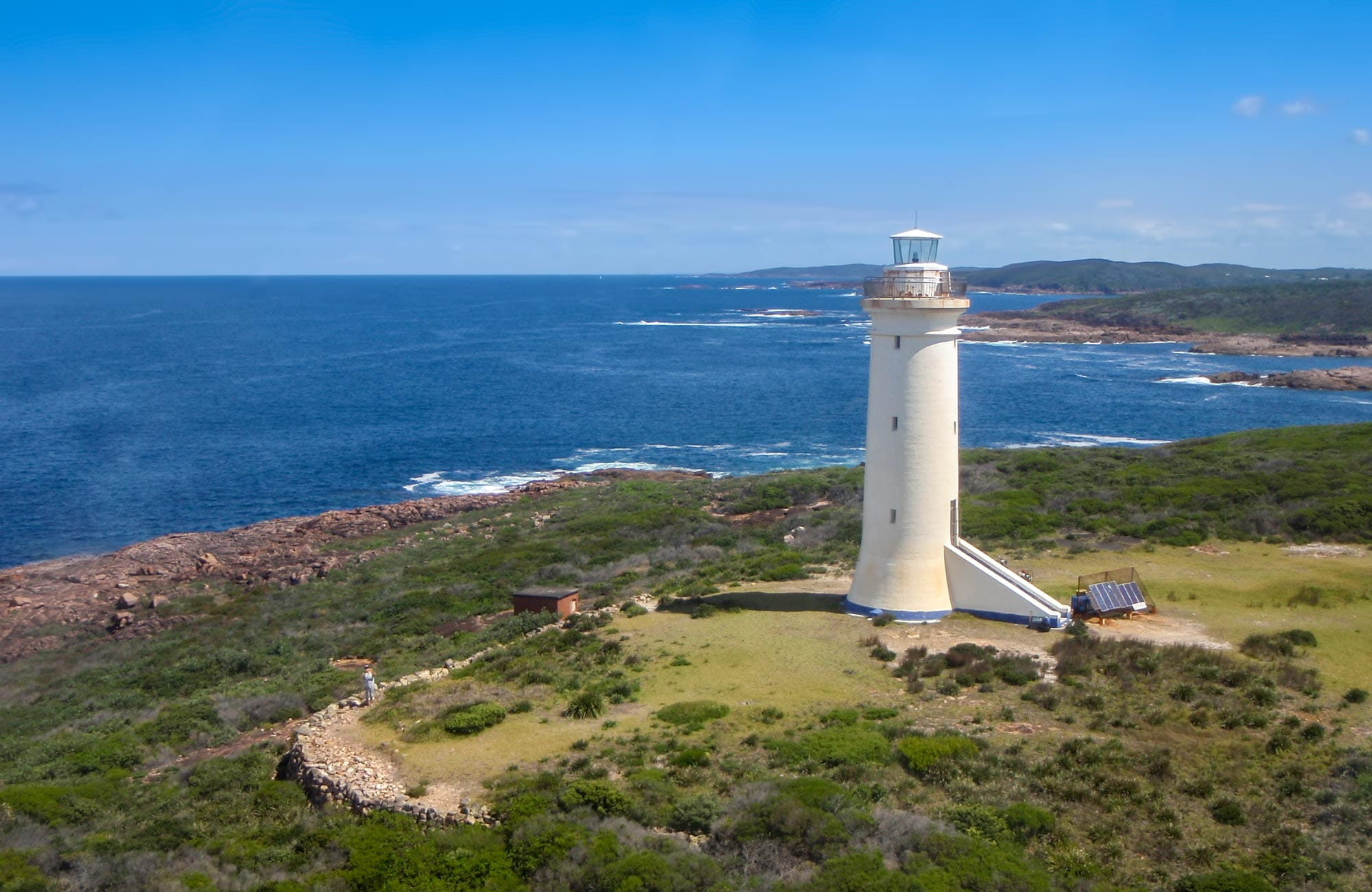 how to get to byron bay from sydney by train