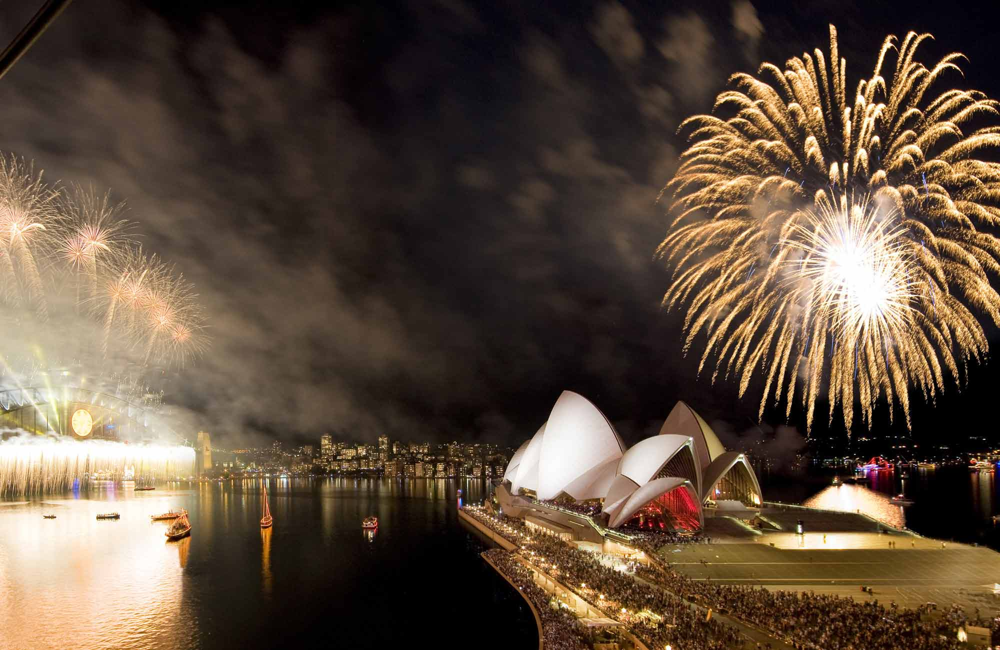 Fireworks on Sydney Harbour. Photo: Hamilton Lund/Destination NSW