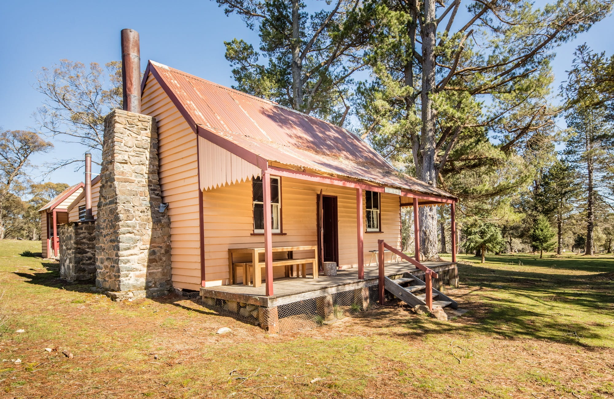 Exterior of Daffodil Cottage, Kosciuszko National Park. Photo: Murray Vanderveer/OEH